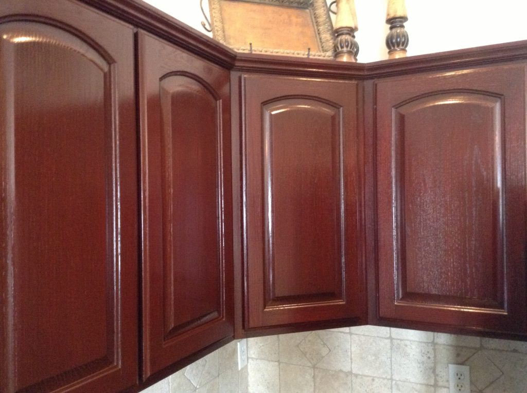 How To Avoid These 5 Kitchen Cabinet Staining Mistakes ...