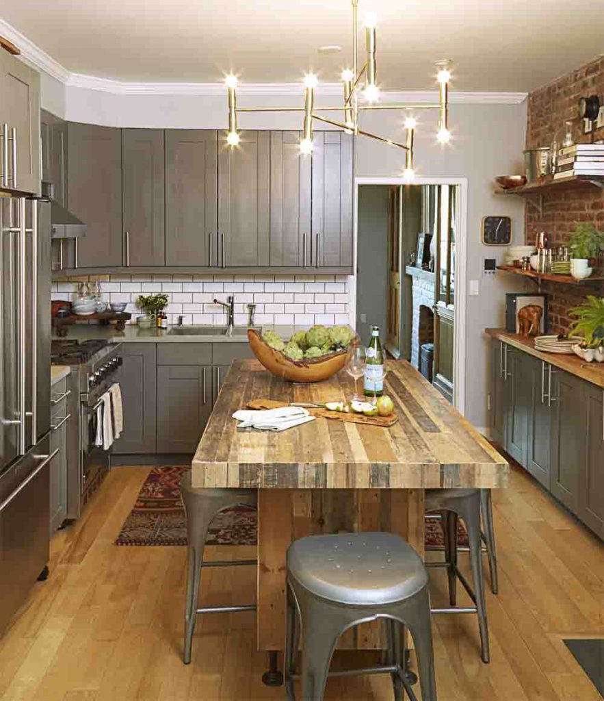 Refurbish Kitchen Cabinets: How To Maximize Small Cabinet Spaces